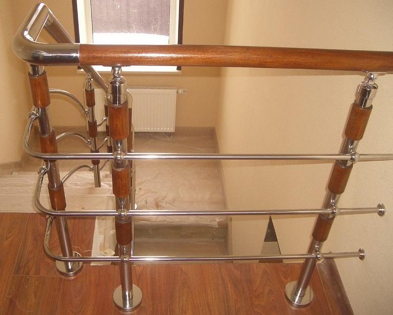 Перила и ограждения из нержавейки для лестниц