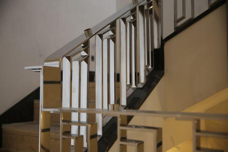 перила лестницы квадратные