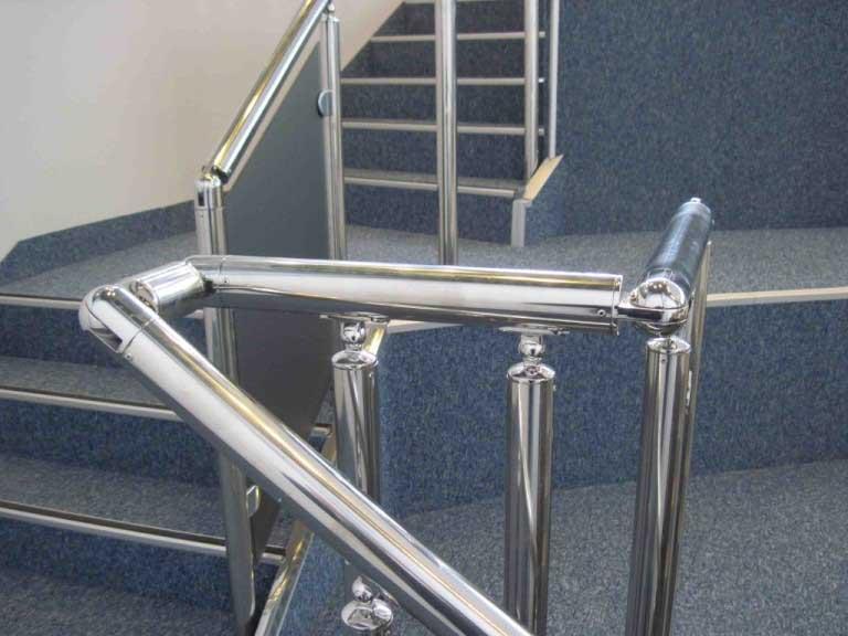 Комплектующие для ограждения лестниц из